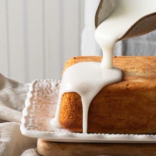 lemon cake pouring glaze